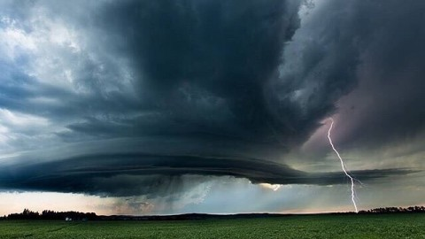 Red Deer Supercell, Alberta